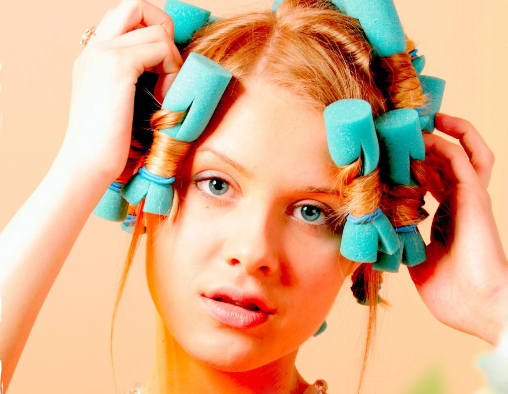 Сколько нужно держать термобигуди на волосах